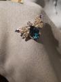 Брошка Муха голубая с топазами, наноситаллами и фианитами серебро 925 проб