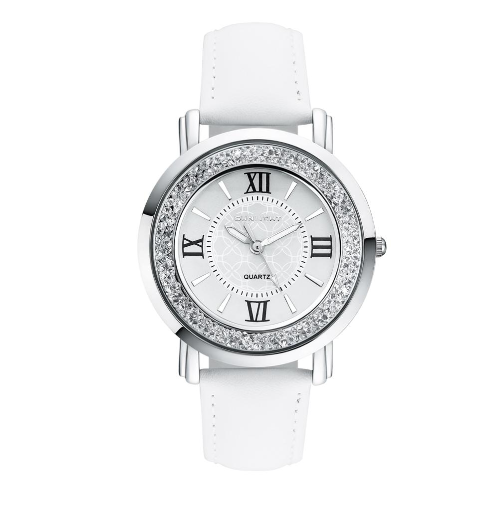 Фото «Женские часы с кристаллами на кожаном ремне»