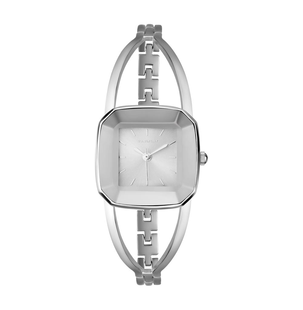 Модные женские часы на металлическом браслете