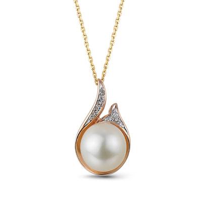 золотая подвеска с жемчугом и бриллиантами