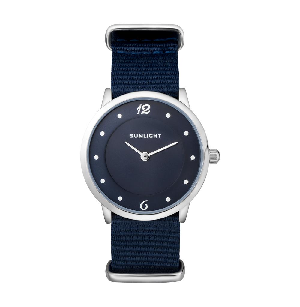 """Фото «Тонкие женские часы на текстильном ремне """"NATO""""»"""