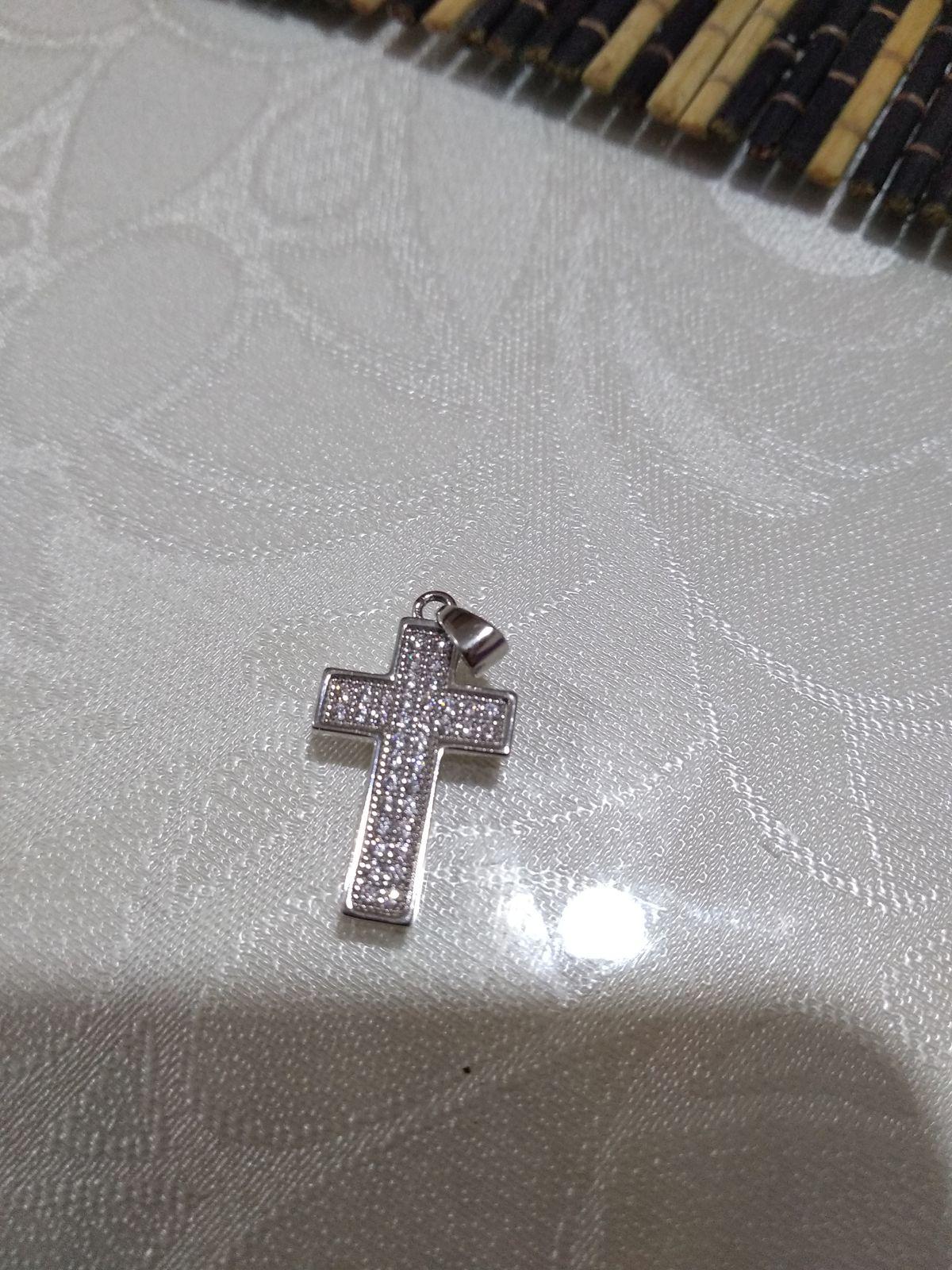 Очень аккуратный и красивый крестик