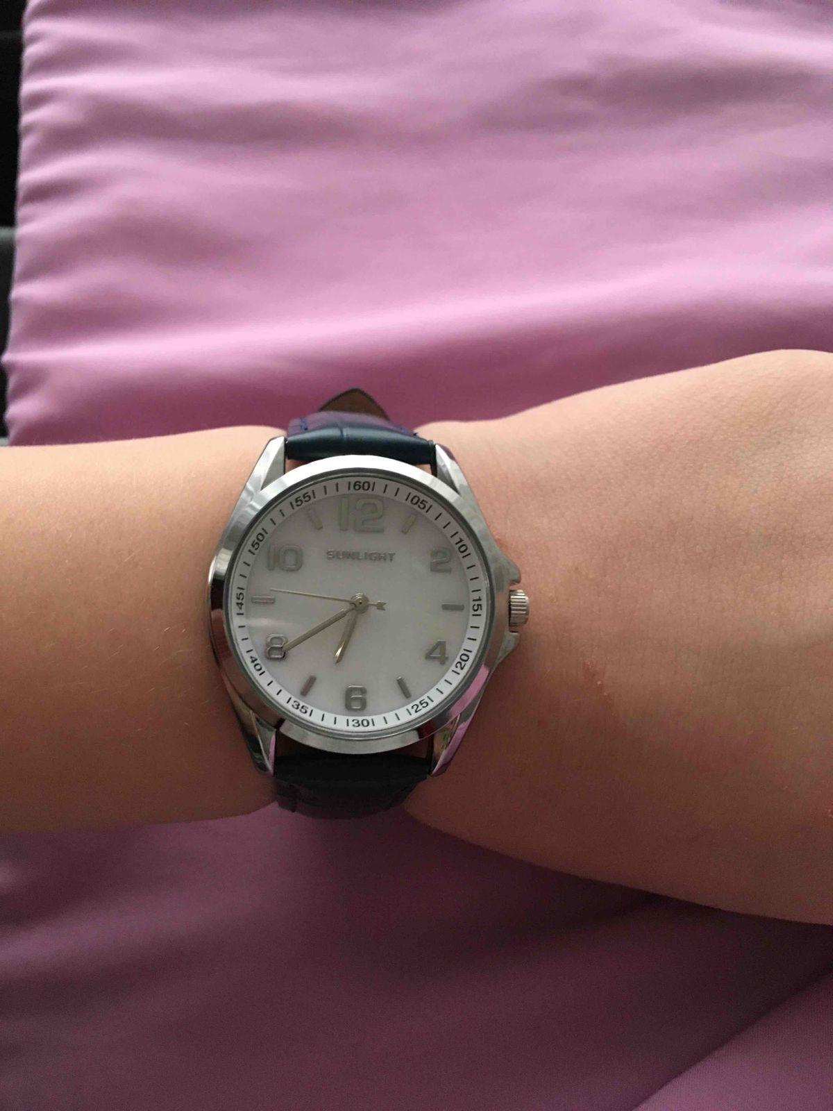 Красивые часы с циферблатом из перламутра