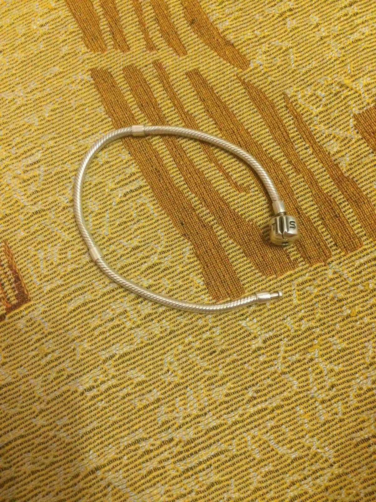 Моему браслету уже 2 года))