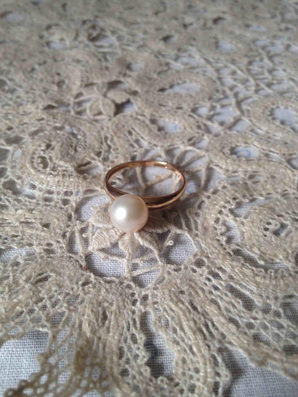 Милое и нежное колечко с жемчугом