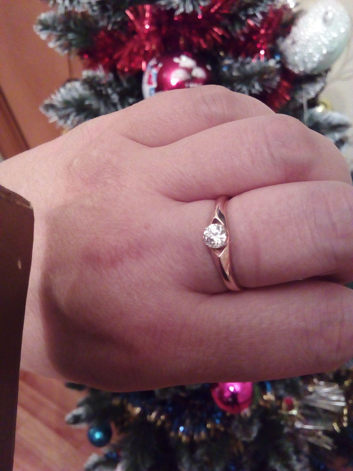 Кольцо очень красивое и нежное.