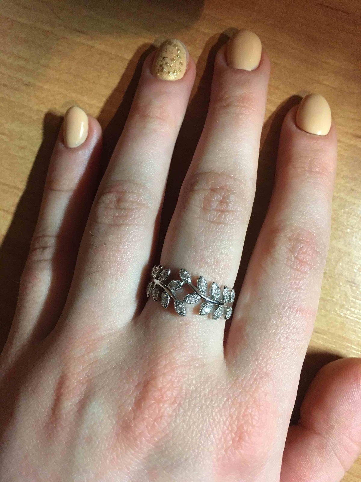 Замечательное кольцо, подойдет ко многим образам