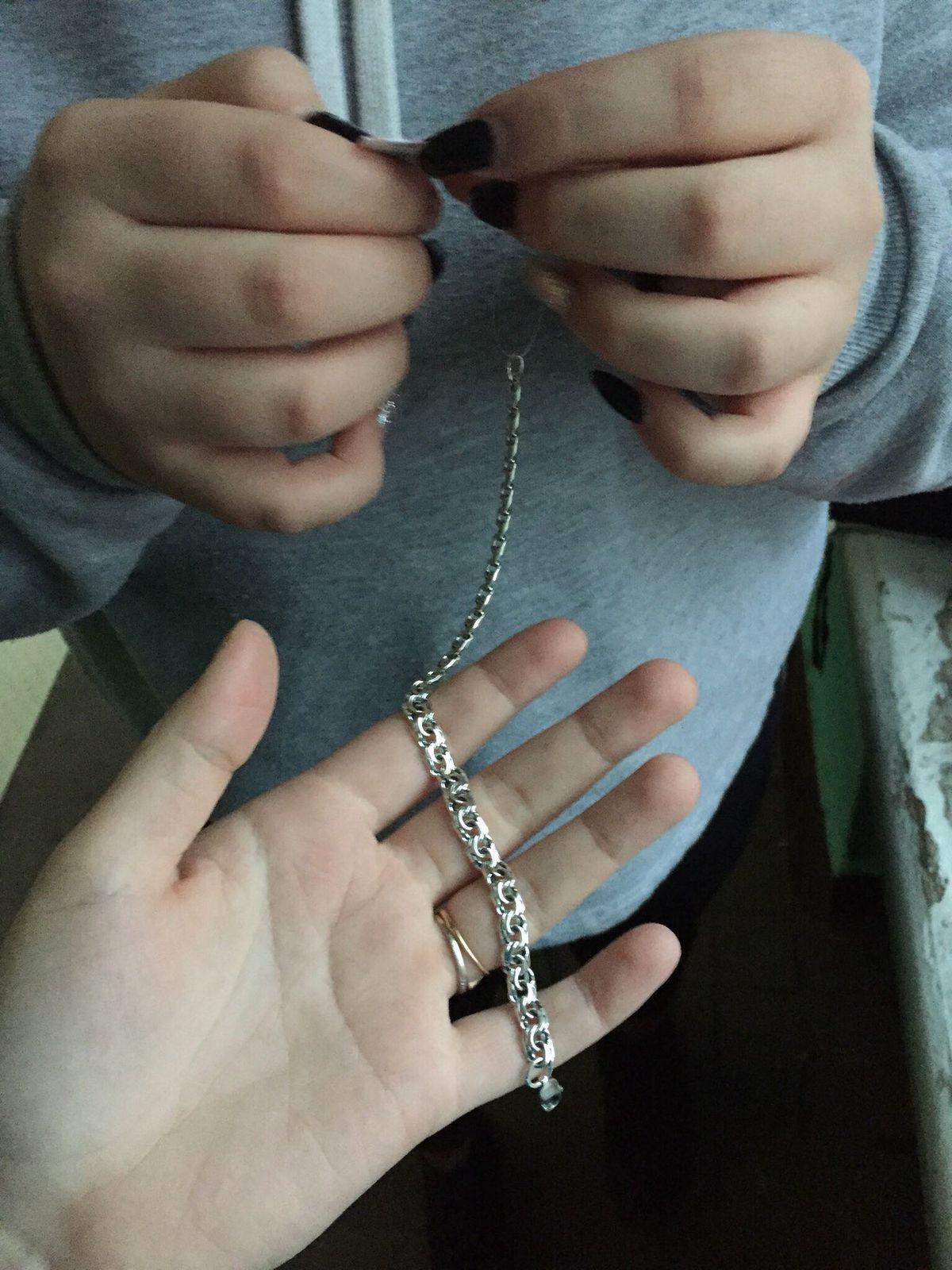 Очень красивый, стильный и классный серебряный браслет