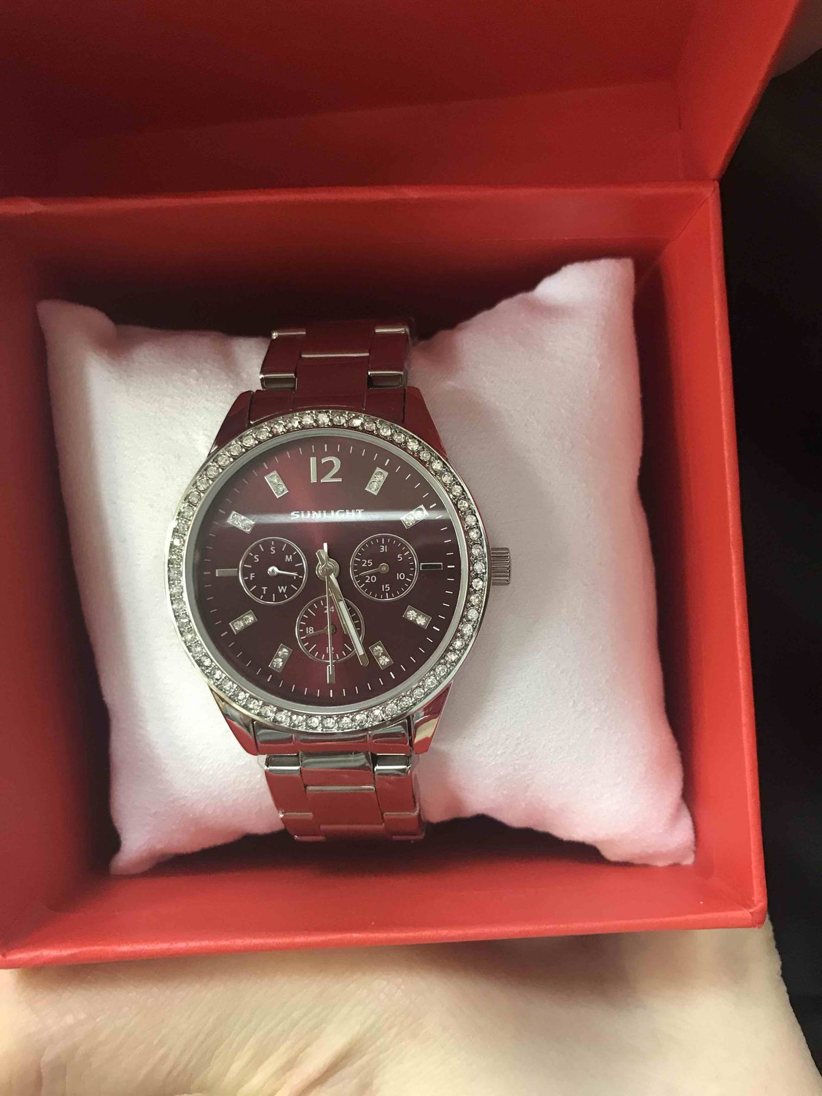 Часы купила себе в подарок
