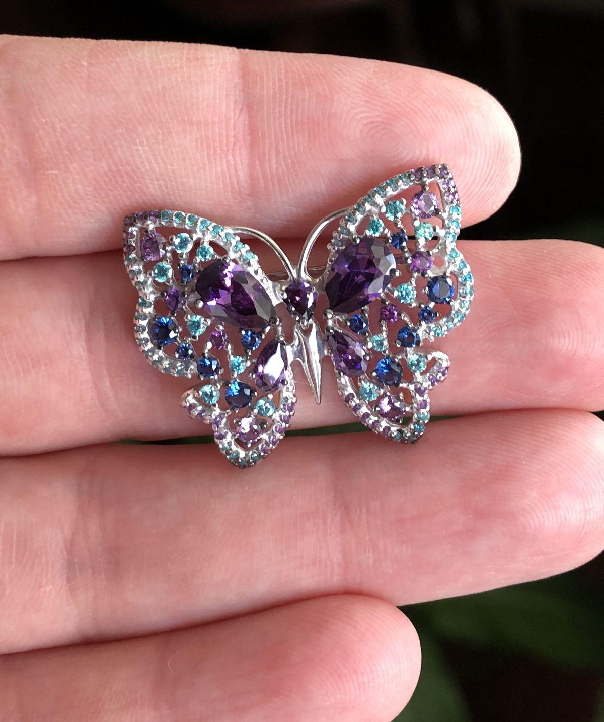Очаровательная бабочка