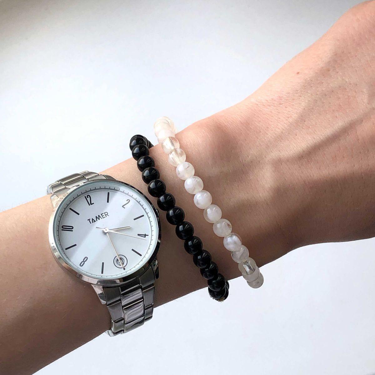 Стильные и без излишеств часы