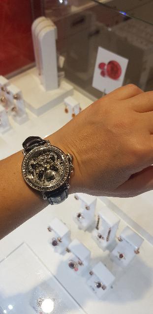 Красивые и стильные часы достойного качества!