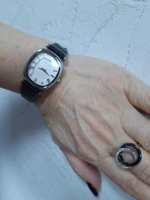 Керамическое женское кольцо с серебром и фианитами, моя оценка пять.