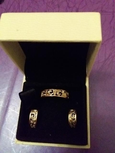 Хорошо в комплекте: серьги и кольцо