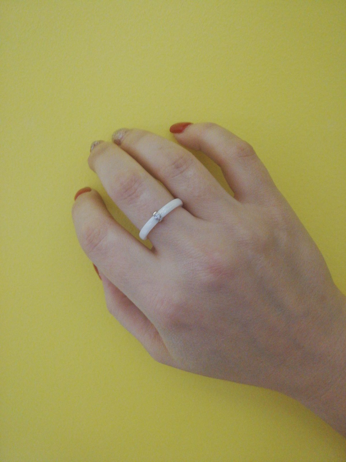 Белое керамическое колечко