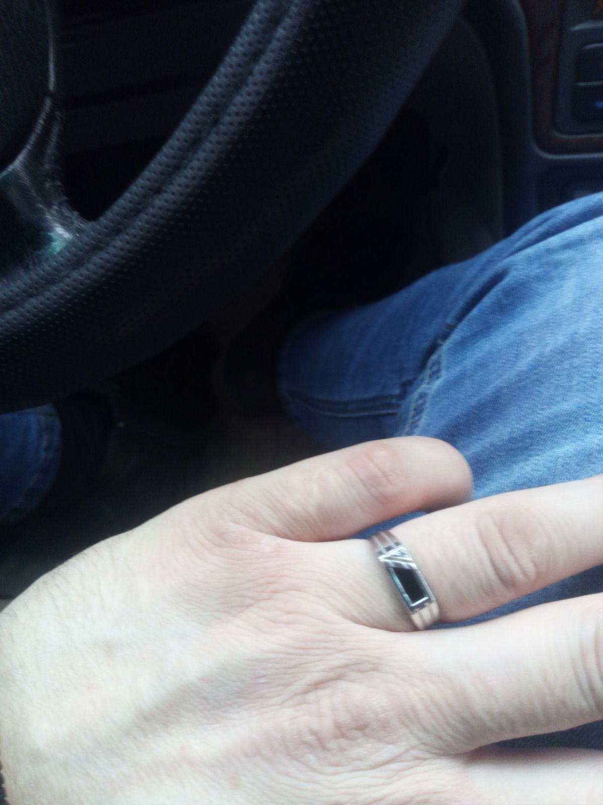 Серебряные кольцо с ониксом