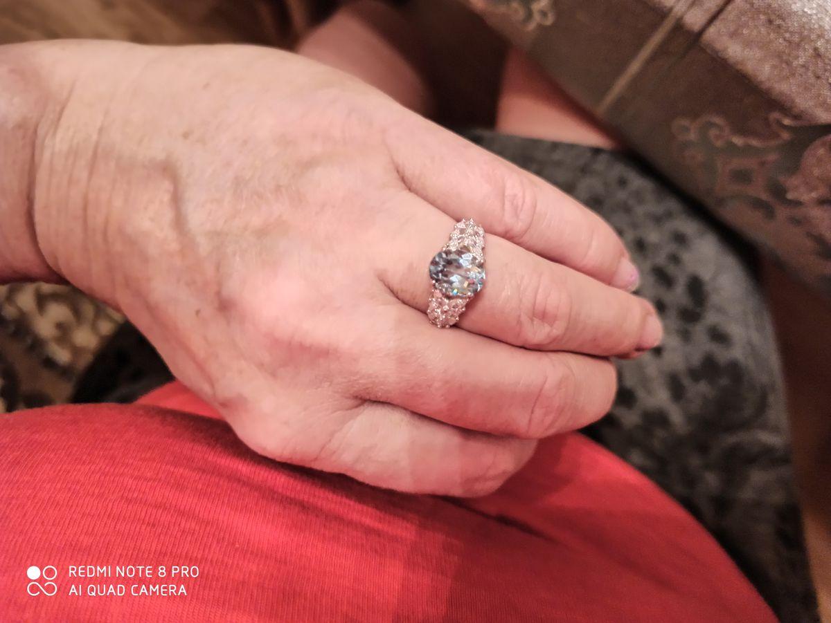 Сияющая капля в кольце