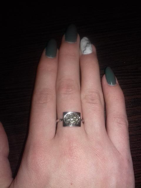Это стало моё первое кольцо в этом магазине)