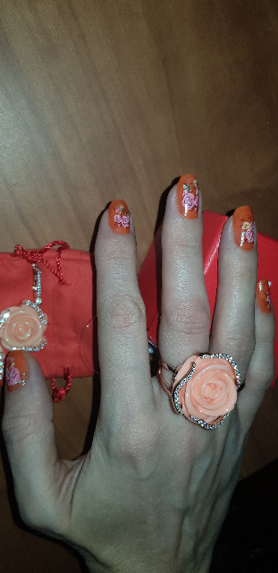 Кольцо с розой ваууу)))