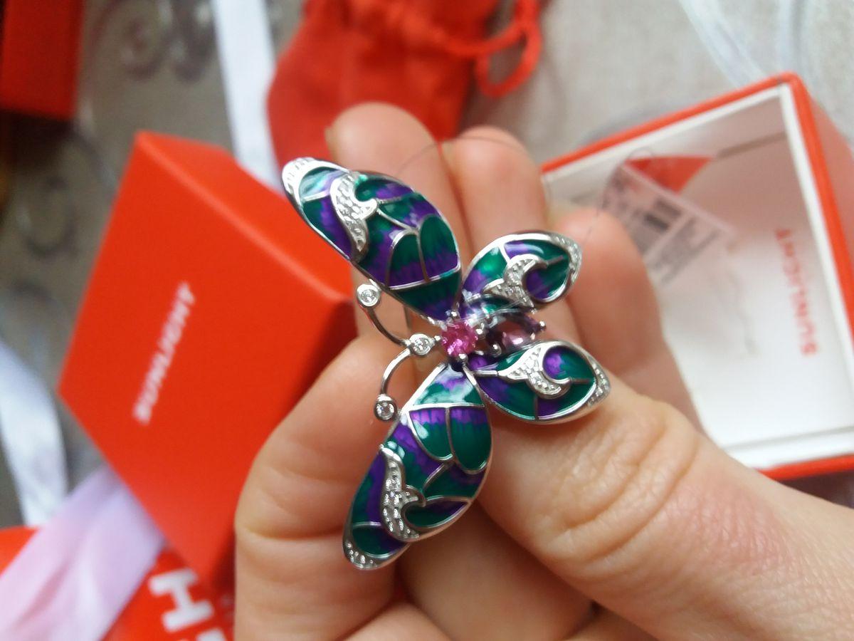 Симпатичная бабочка в подарок маме