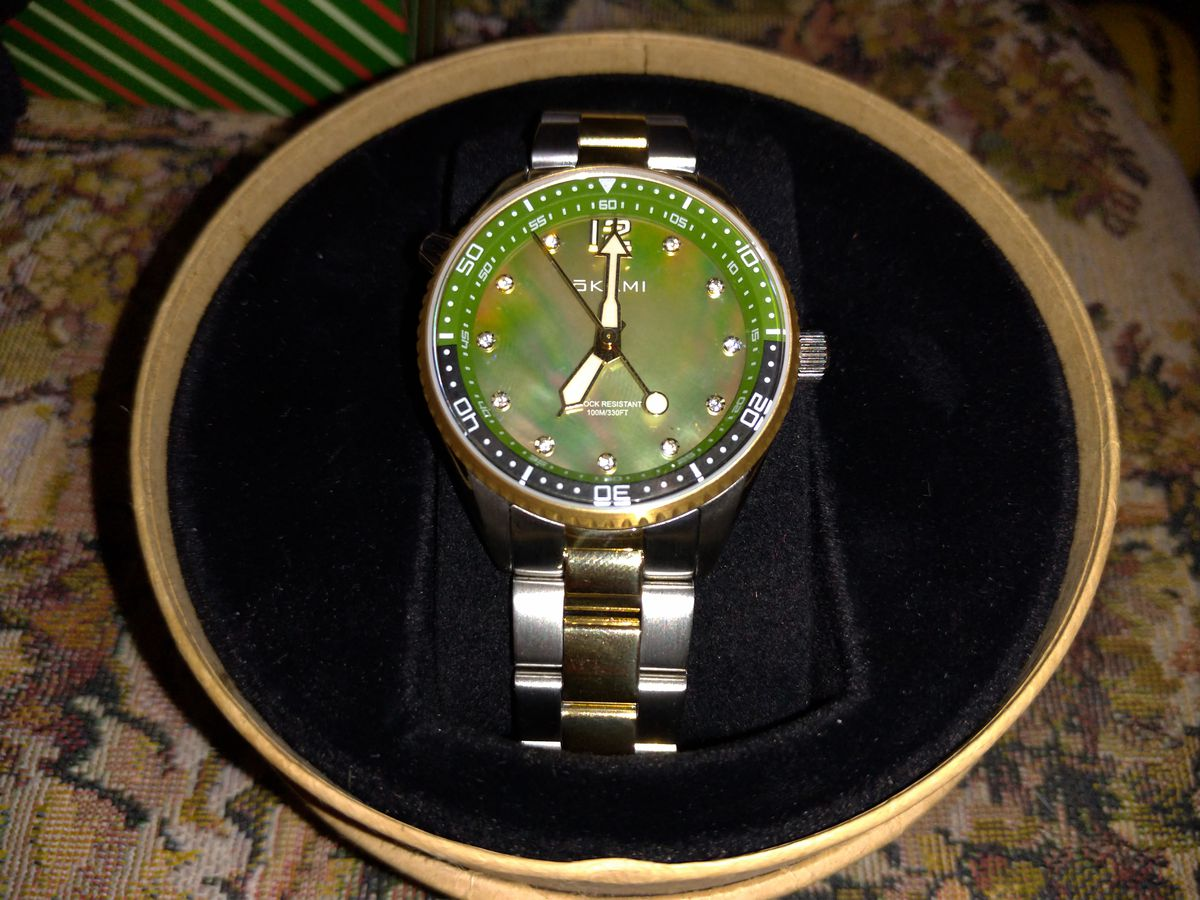 Часы очень красивые и качественные.