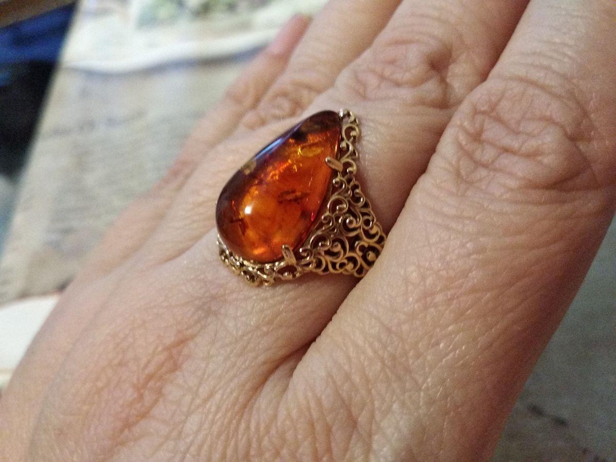 Позолоченное кольцо с янтарем