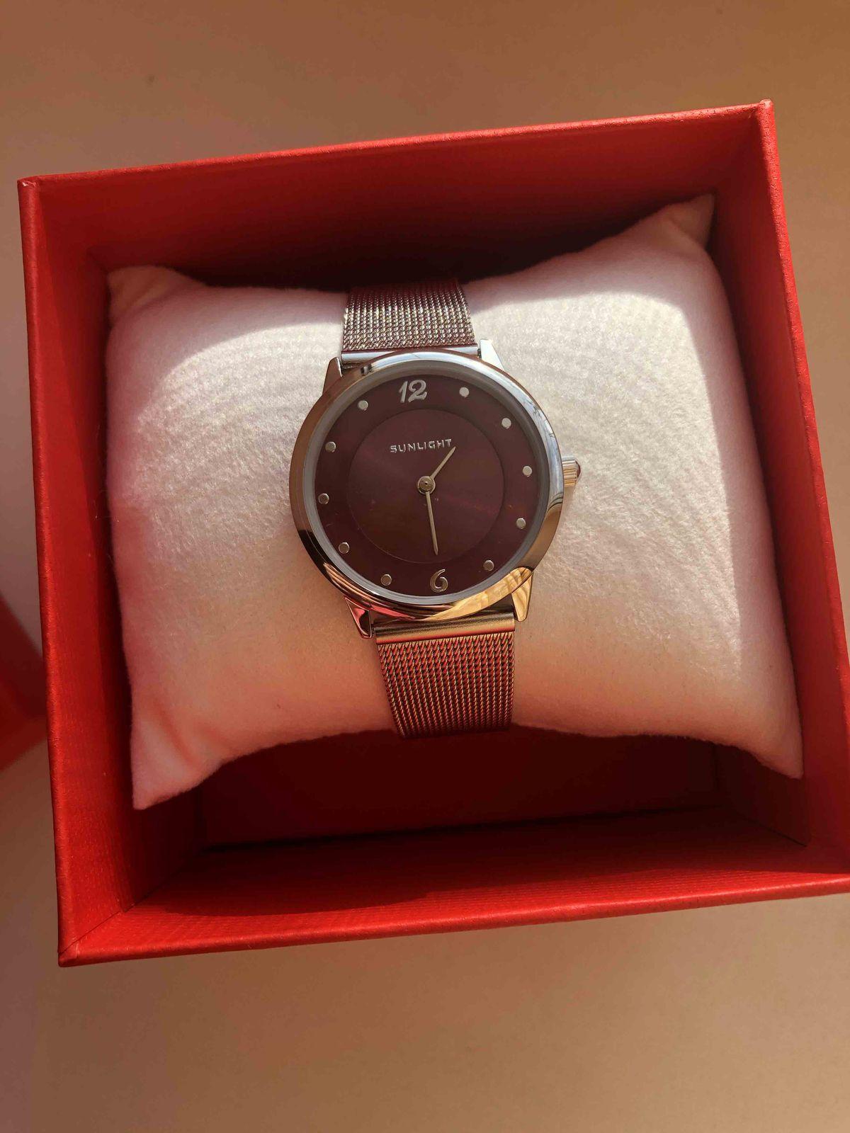 Часы на подарок одногруппнице