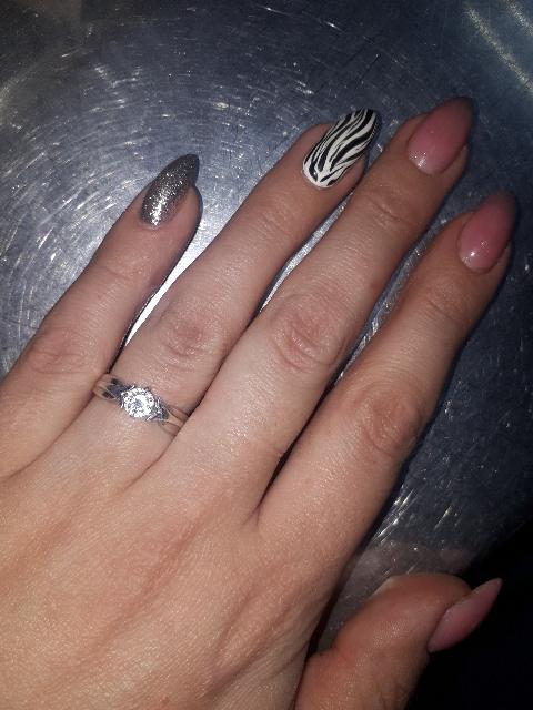 Красивое кольцо,не сильно тонкое