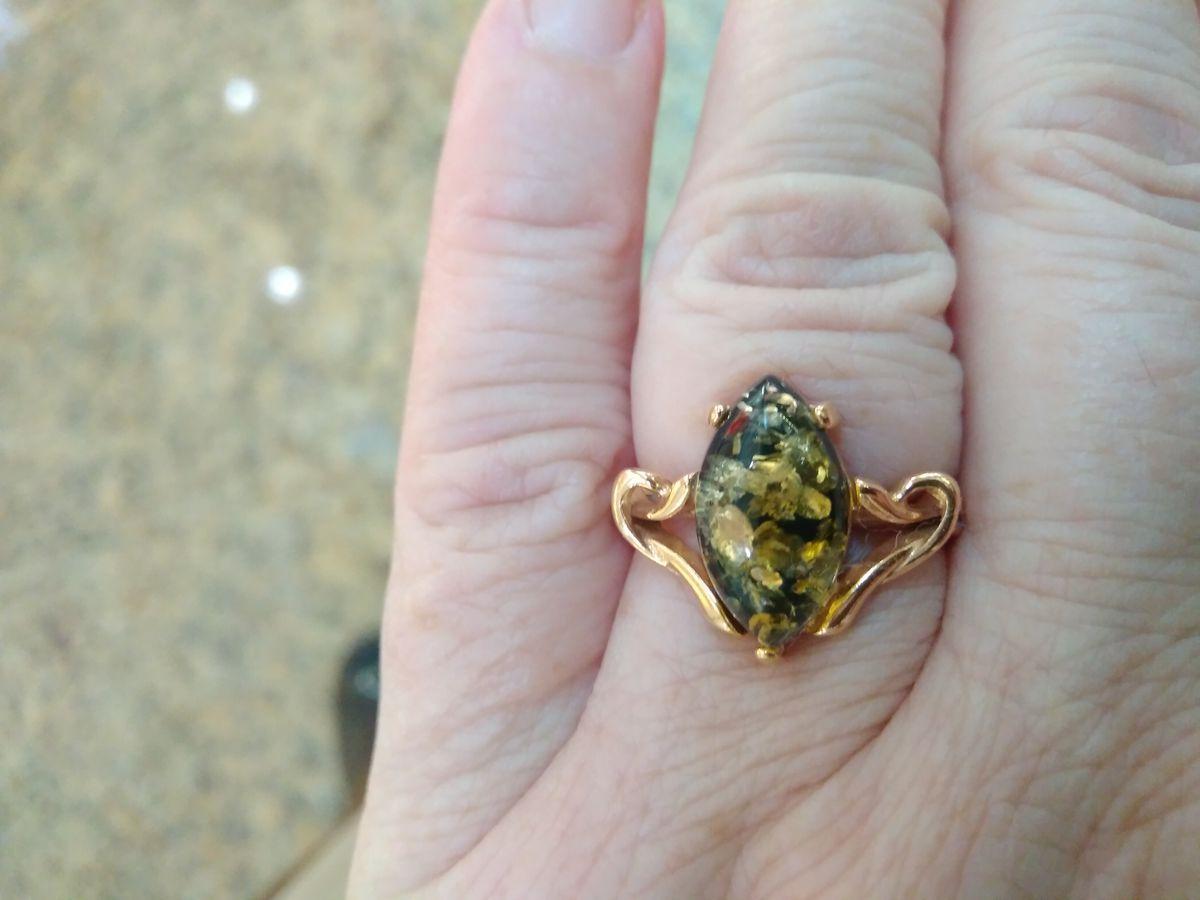 Кольцо с замечательным янтарем