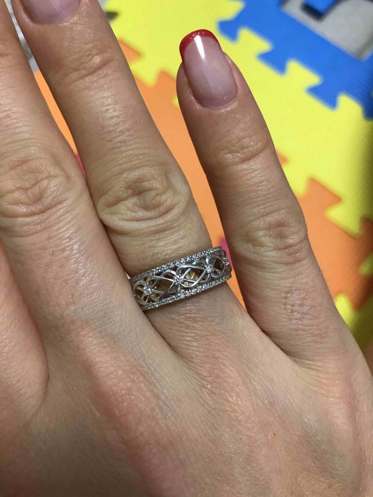 Кольцо красивое, хочу еще сережки к нему