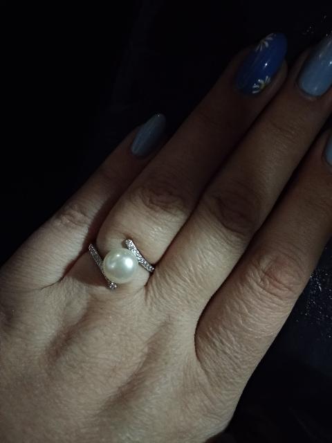 Кольцо красивое, но при одном ношении уже вылетел фианит.