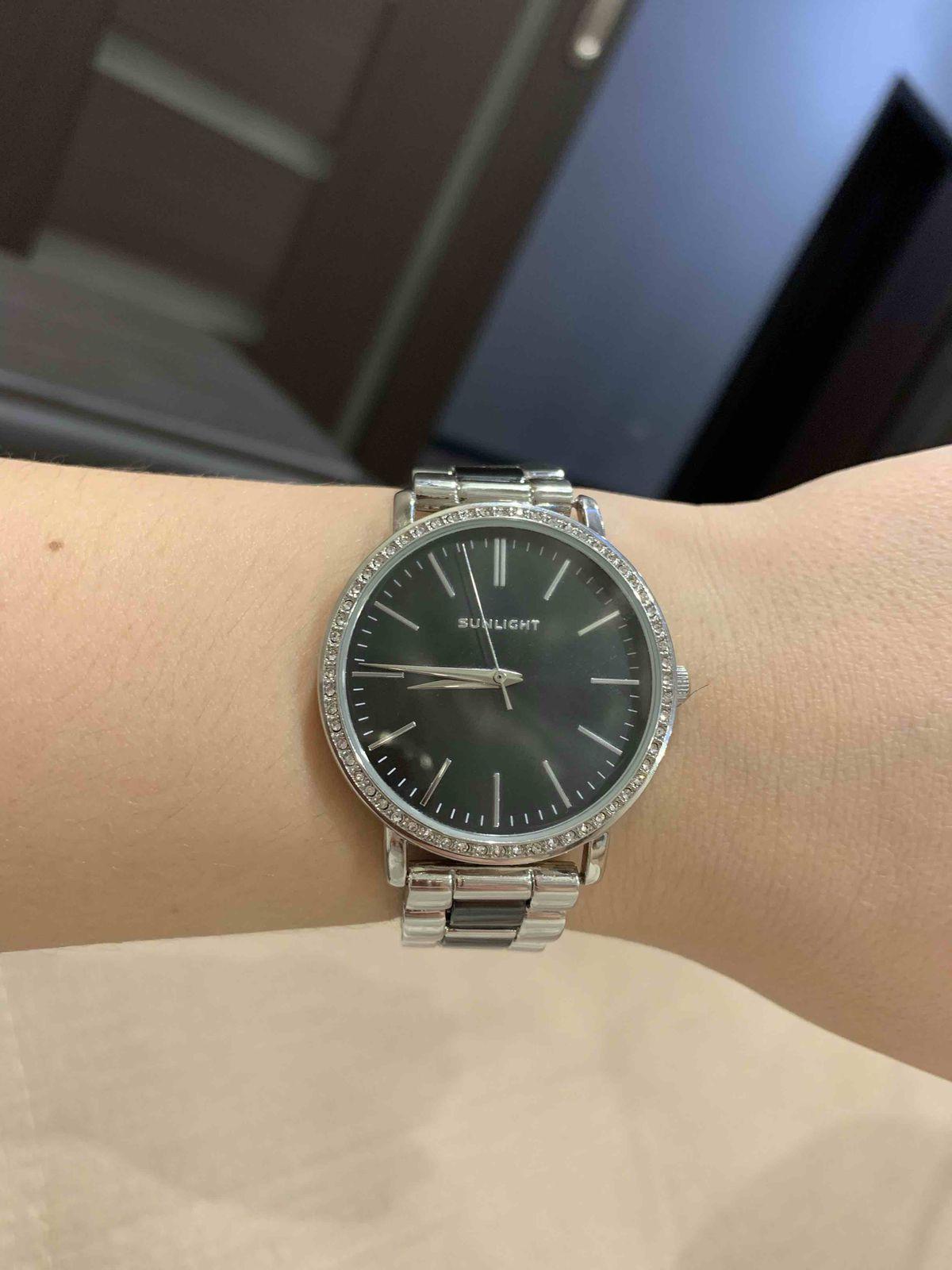 Часы очень красиво смотрятся на руке