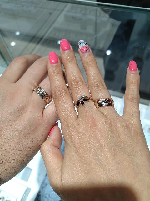 Обручальное кольцо мужа