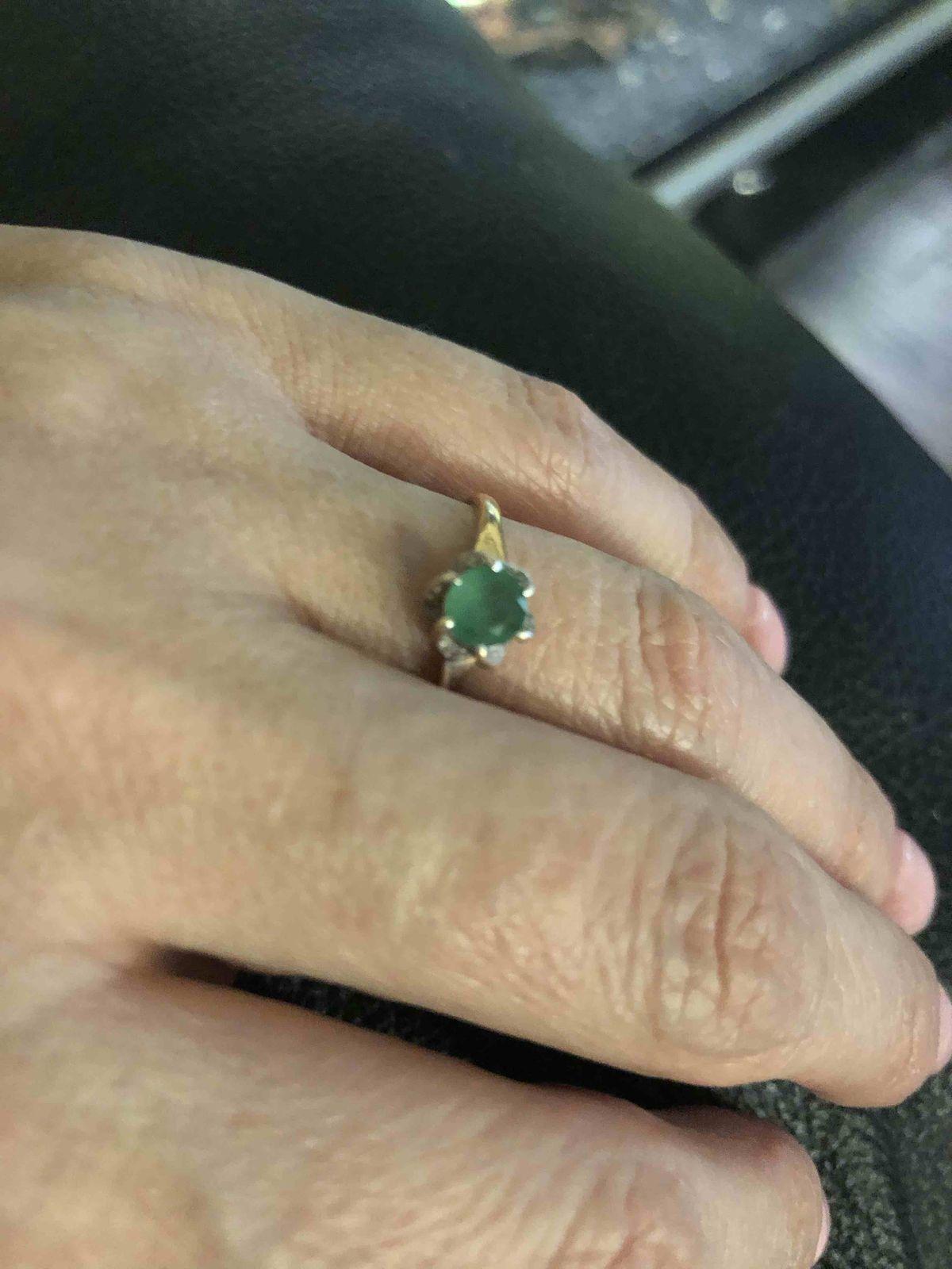Изящное и очень нежное кольцо