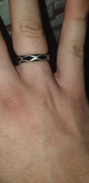 Очень классное кольцо,  рекомендую всем Купил 23 февраля , всё в порядке