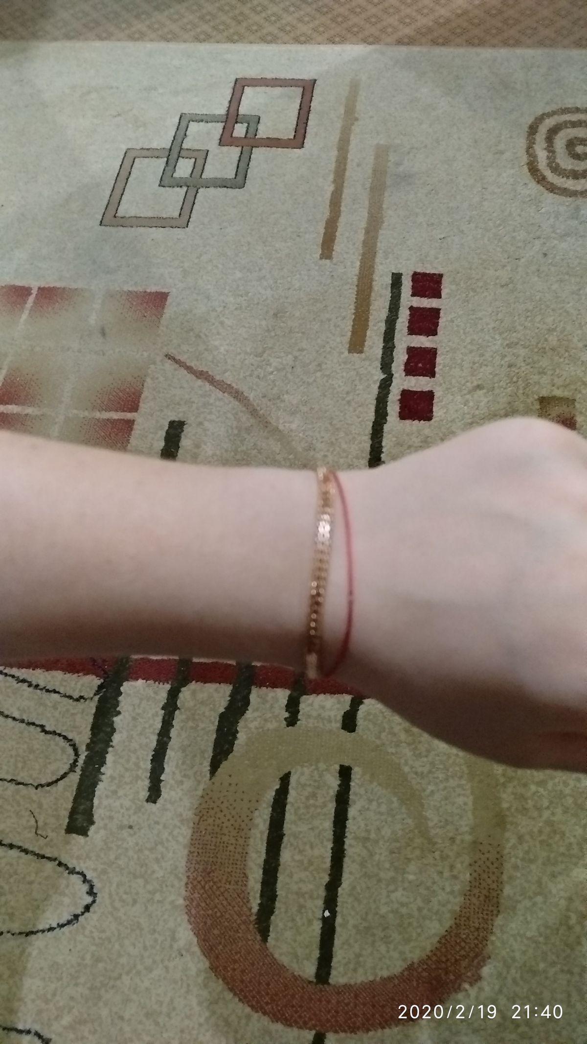 Супер браслет, очень весомый, и красиво смотрится на руке.