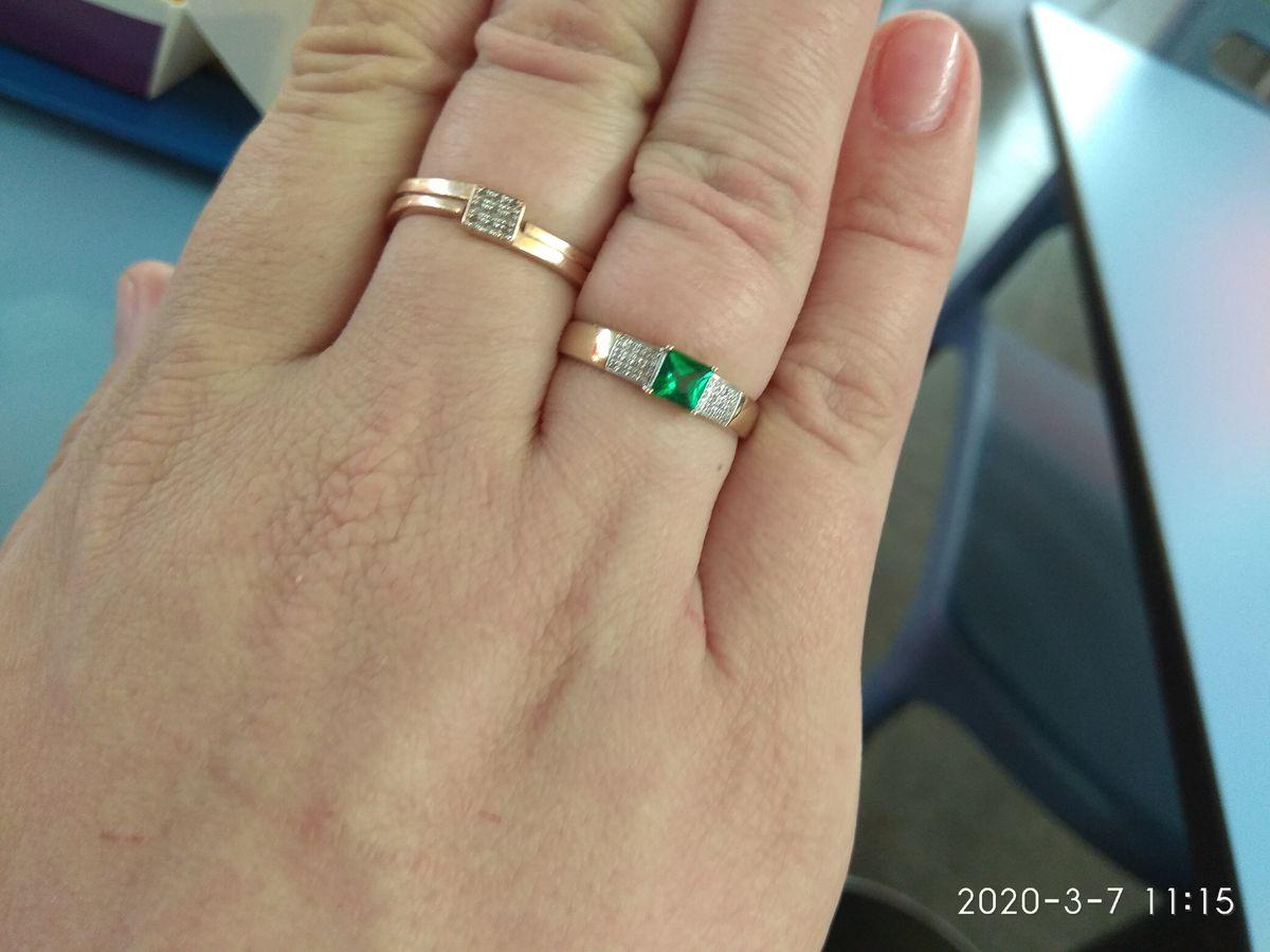 Кольцо очень хорошее, смотрится просто потрясающе. хорошая скидка на товар.