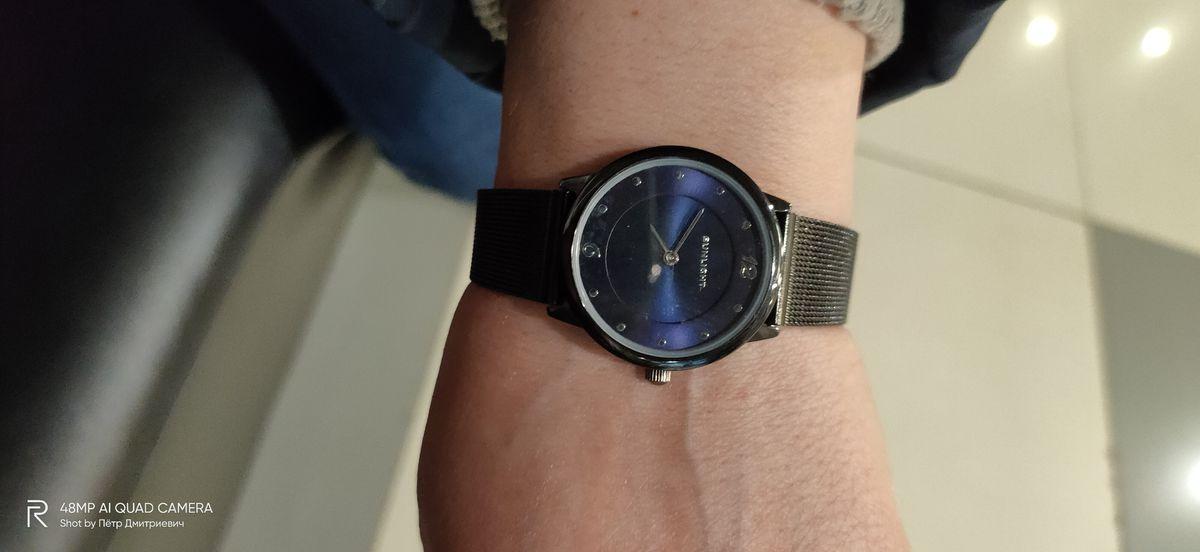 Часы купил Любимой женщине.