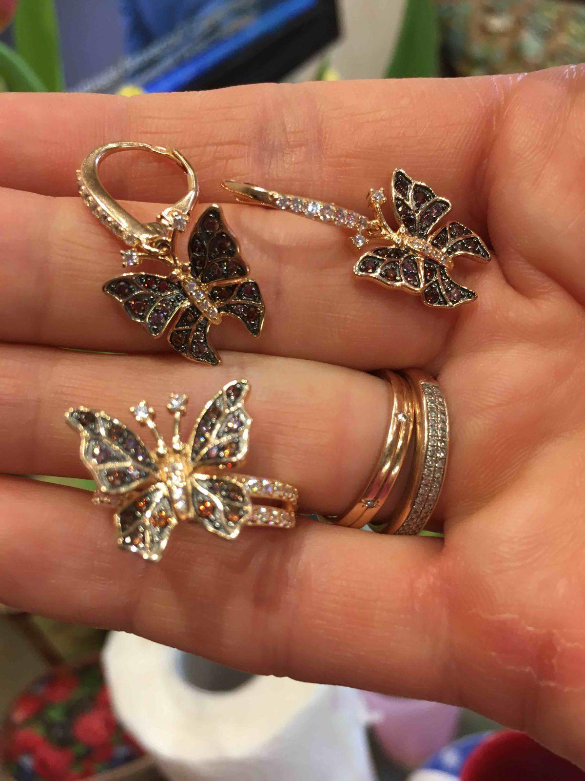 Бабочки бабочки..
