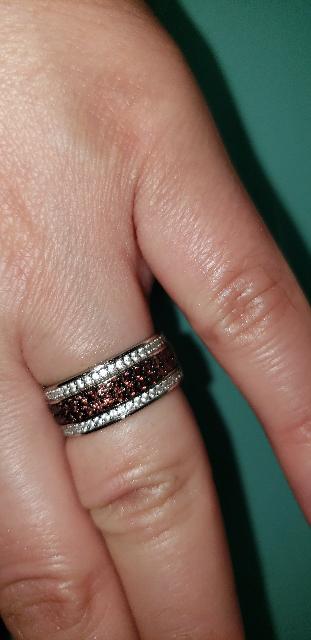 Кольцо с белыми и коричневыми фианитиками