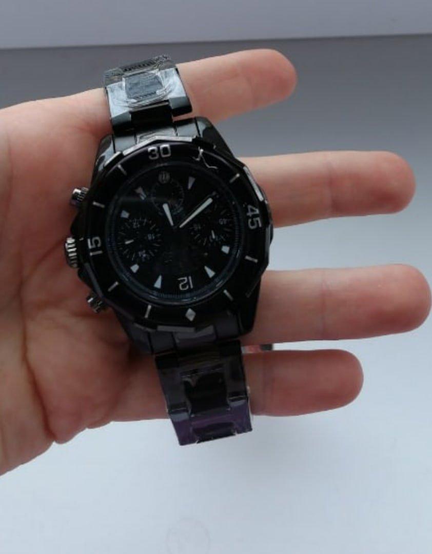 Часы мужские черного цвета очень понравились.