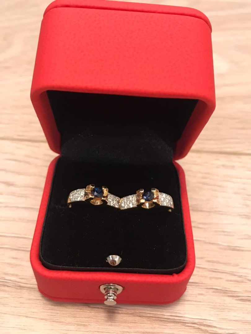 Восхитительные серьги с бриллиантами и сапфирами