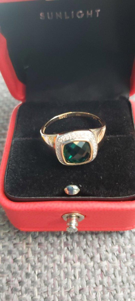 Аккуратный и элегантный перстень.