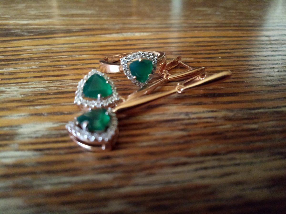 Серебряное кольцо с натуральным зелёным агатом