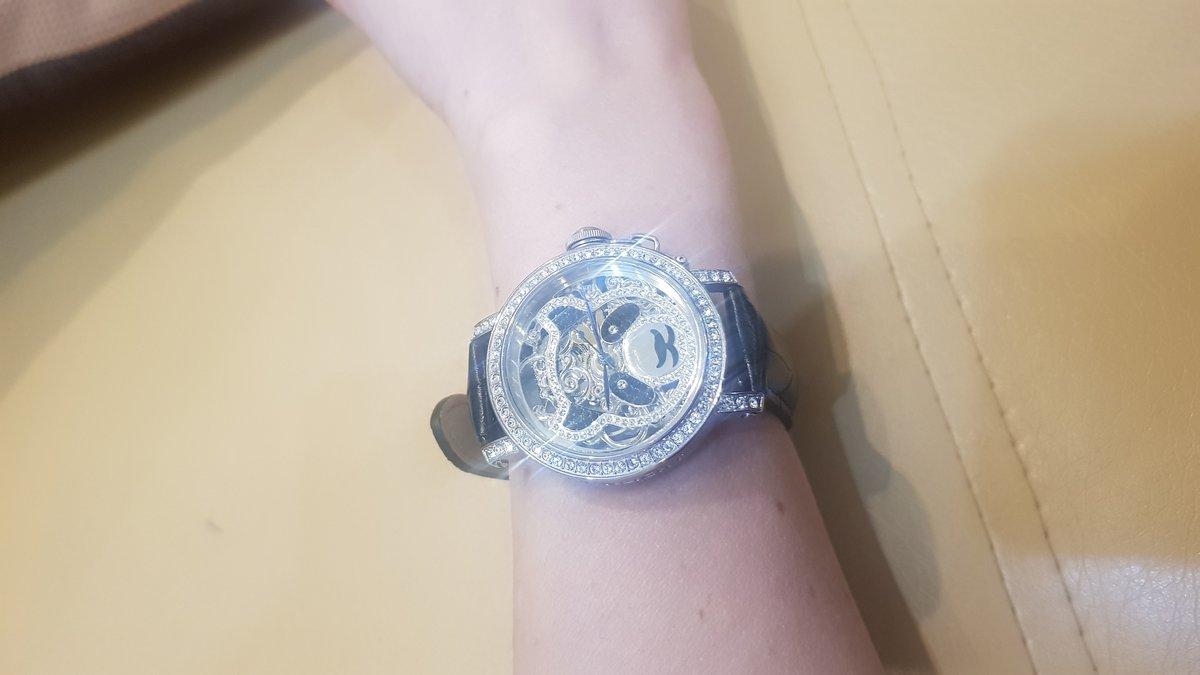 Часы нарядные