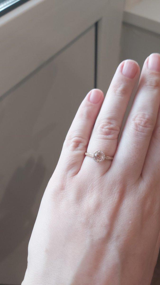 Кольцо с морганитами