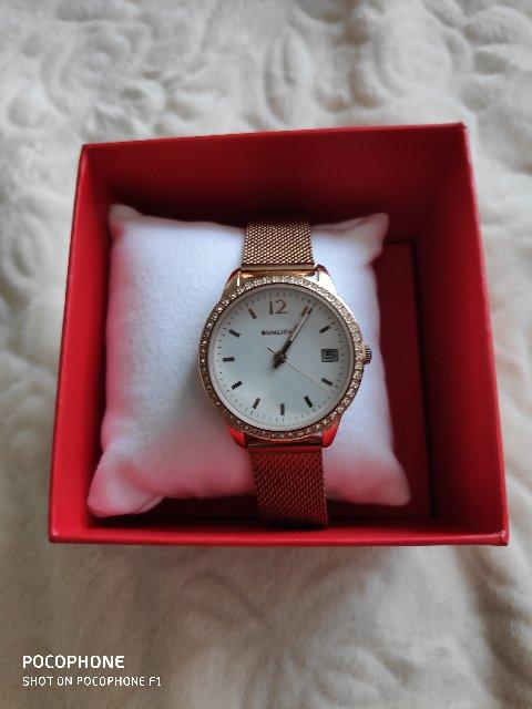 Часы очень красивые! Смотрятся на руке красиво!