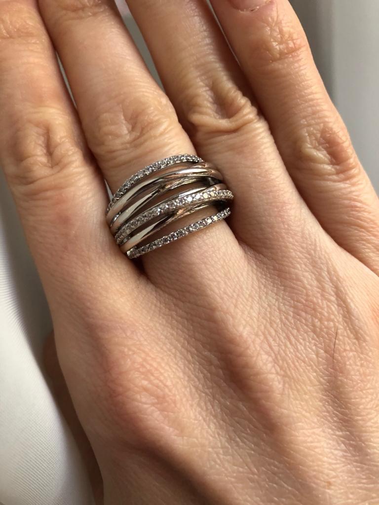 Красивое и лаконичное кольцо