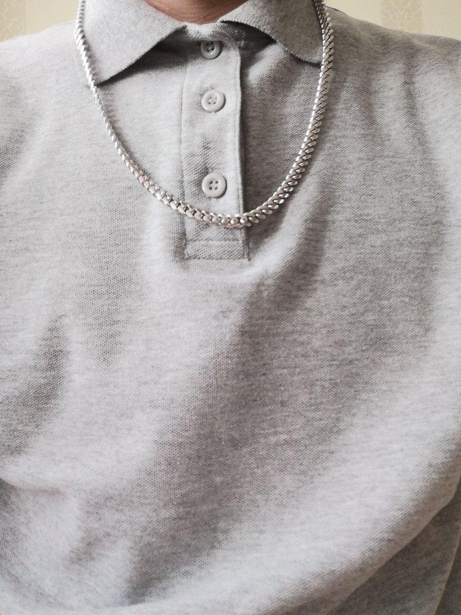 Отличная серебряная цепочка, очень стильно смотрится, увесистая, красивая.