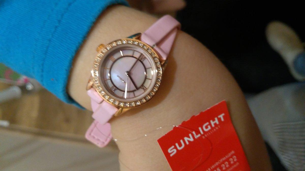 Часы подарок на день рождения дочке)